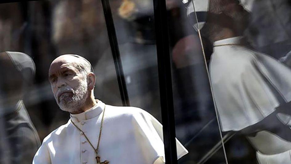 John Malkovich desfiló frente al Vaticano como el