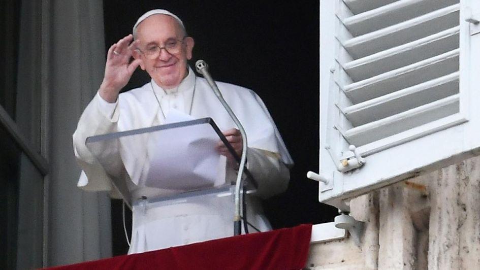 Francisco dice que espera visitar