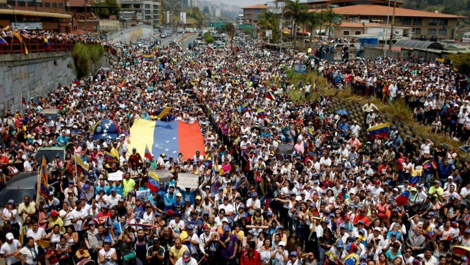 """Nuevas protestas dividen las calles y según Guaidó la situación """"no se aguanta más"""""""