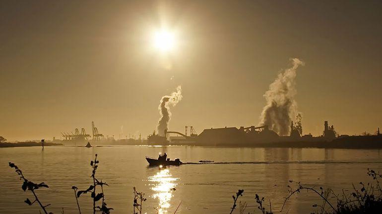 La contaminación atmosférica afecta todavía más a los pobres