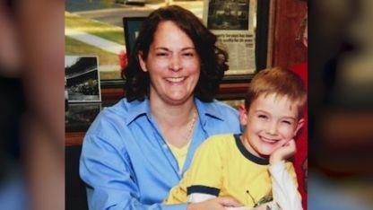 Pitzen fue visto por última vez con su madre en mayo de 2011
