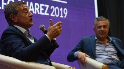 Suárez y el gobernador Cornejo compartieron el escenario en la Mesa de Propuestas que realizó ayer la UCR en el Sur.