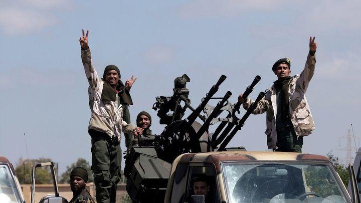 Años de tensión interna desembocan en guerra en Libia