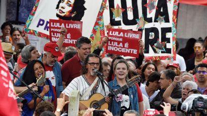 A favor. Ayer hubo manifestaciones en apoyo a Lula.