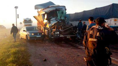El accidente ocurrió a consecuencia de la escasa visibilidad por una densa humareda que provenía de un basural