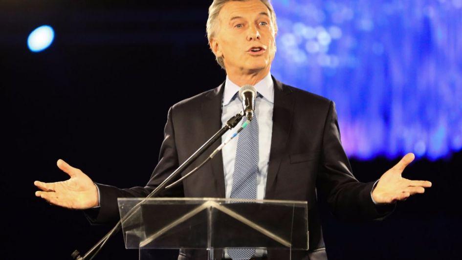 Macri le pidió a empresarios y políticos que no especulen y