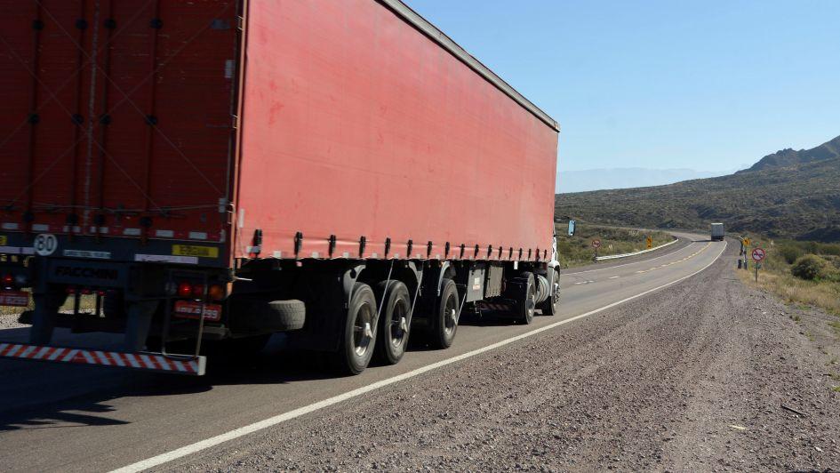 Transporte: pasan a Chile 12% menos camiones que hace dos años