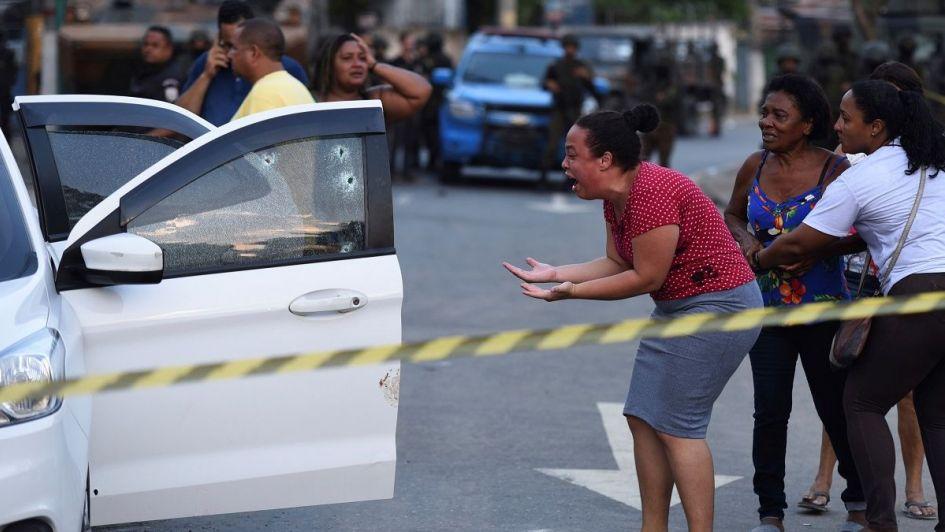 Militares brasileños mataron a tiros a un músico que viajaba junto a su familia en auto