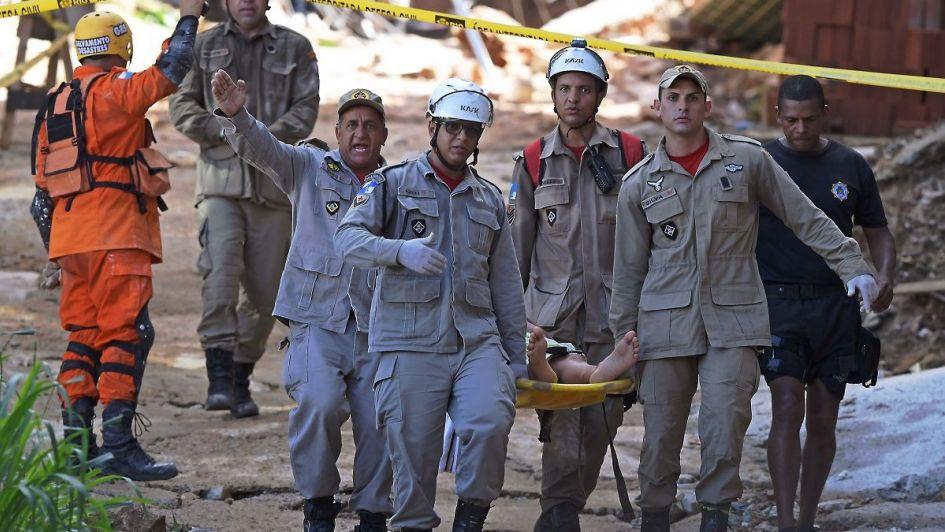 Al menos tres muertos y varios desaparecidos tras el derrumbe de dos edificios en Brasil