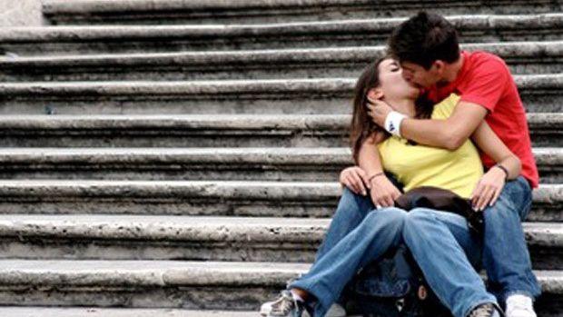 Países en los que besarse en público está prohibido
