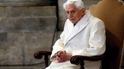 Benedicto. Dijo que fue autorizado a publicar su texto.