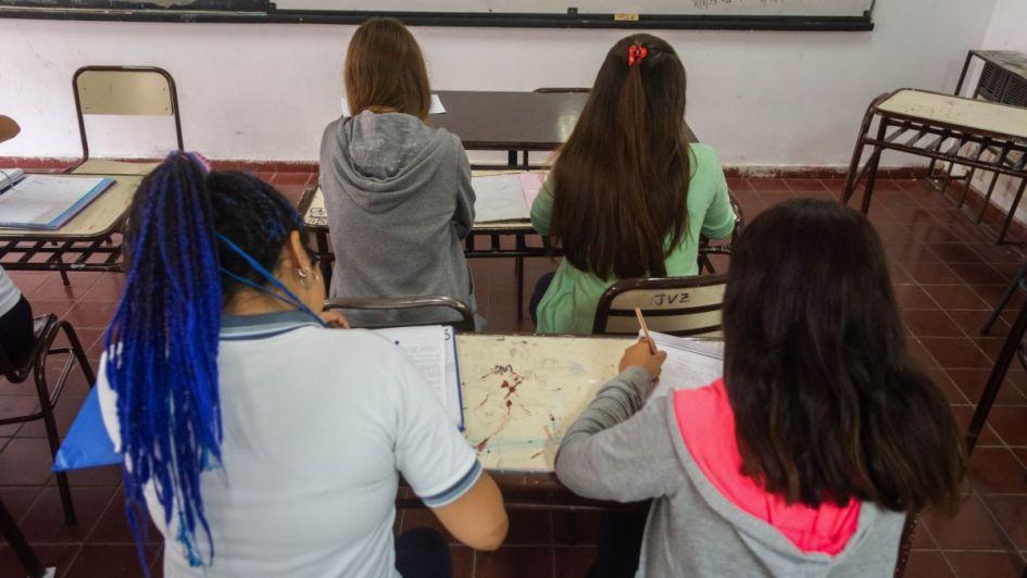 Más alumnos empiezan la Secundaria y sólo la mitad termina