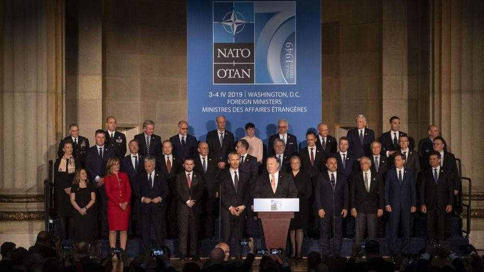 De la Cumbre de la OTAN a la crisis de Venezuela - Por Rosendo Fraga