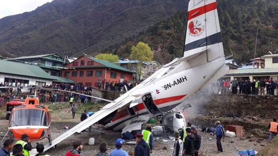Tres muertos en un accidente entre un avión y dos helicópteros cerca del Everest