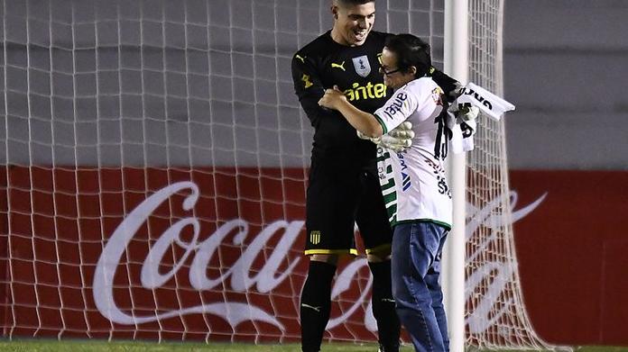 El emocionante gesto que tuvo el arquero de Peñarol