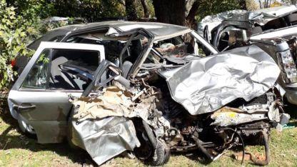 Los restos de uno de los vehículos siniestrados.