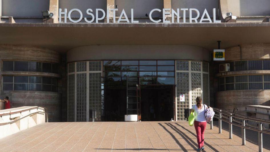 Dramático: pacientes de riesgo del Central esperan con urgencia compra de desfibriladores