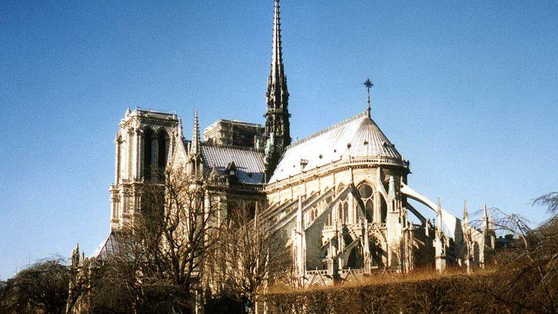 Notre Dame, un lugar que fue testigo de grandes hechos y con más de 700 años de antigüedad