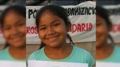 La Policía judicial continuaba con los rastrillajes en el barrio Desatanudos para encontrar las prendas de vestir de Sabina.