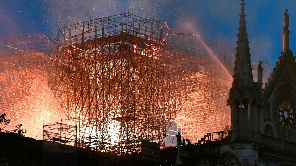 Primeras imágenes: así quedó el interior de la Catedral de Notre Dame tras el incendio