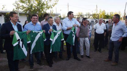 El gobernador Cornejo se mostró con los candidatos de la interna del oficialismo en un acto en Luján.