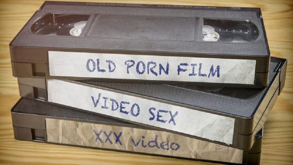 Demandó a sus padres porque le tiraron su colección de pornografía