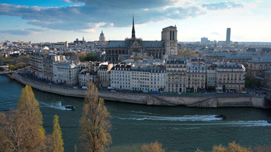 La fascinante historia de la Catedral de Notre Dame contada en un video de 2 minutos