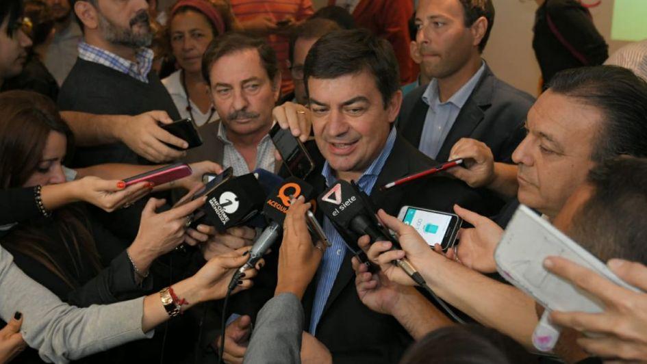 De Marchi denunció operaciones mediáticas y volvió a ratificar su precandidatura