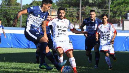 Goleador. Gabriel Vallés (4) convirtió un verdadero golazo que le dio un empate muy valioso a Huracán de cara a la revancha.