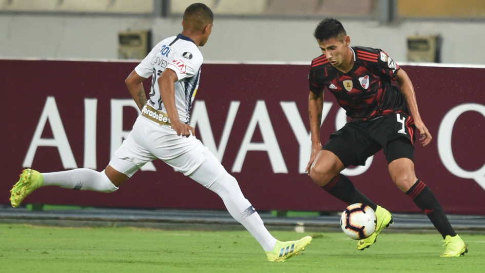 Fabrizio Angileri se quedó afuera del partido por un ataque de tos