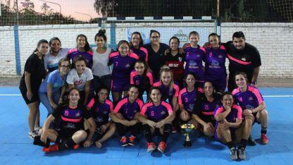 UMaza. Las chicas dirigidas por Luvello son  líderes del torneo local y jugarán en el Grupo A.