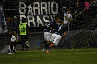 . Independiente Rivadavia igualó 1 a 1 agónicamente con Rafaela en su estadio y mantiene vivas las chances de clasificarse al Reducido.
