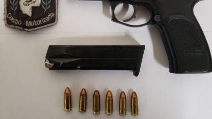 La pistola secuestrada a un sospechoso de 52 años.