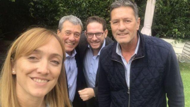 Unidos para la foto. Fernández Sagasti y Alejandro Bermejo, con Adolfo Bermejo y Lucas Ilardo