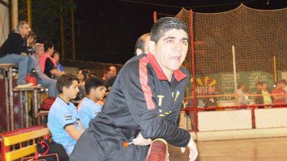 Néstor Perea espera tranquilo el debut de sus dirigidas ante Talleres