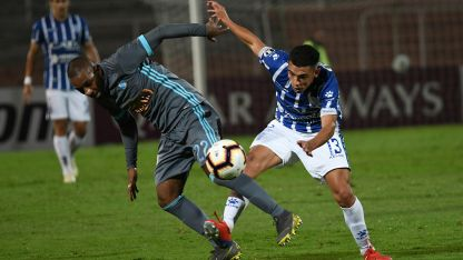 Frente a Sporting Cristal, Valentín Burgoa debutó en la Copa Libertadores.