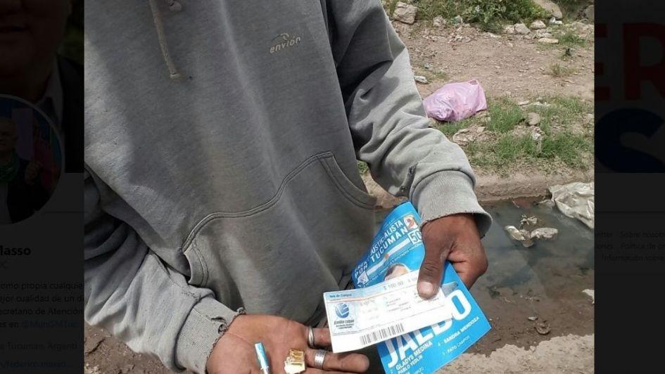 """Denuncian que en Tucumán repartieron votos con dosis de """"paco"""" y vales de comida"""