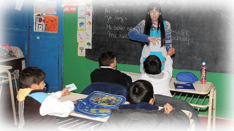 Significado de la ley de Cédula Escolar Nacional - Por Julio Cobos