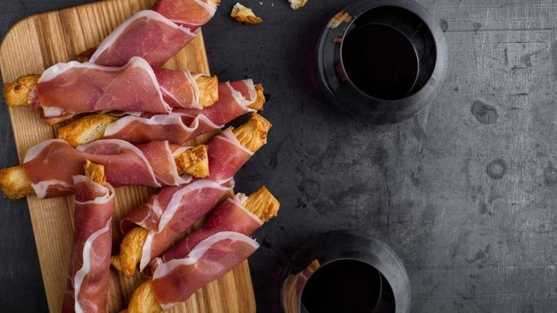 ¿Por qué España quiere que el vino sea su bebida nacional?