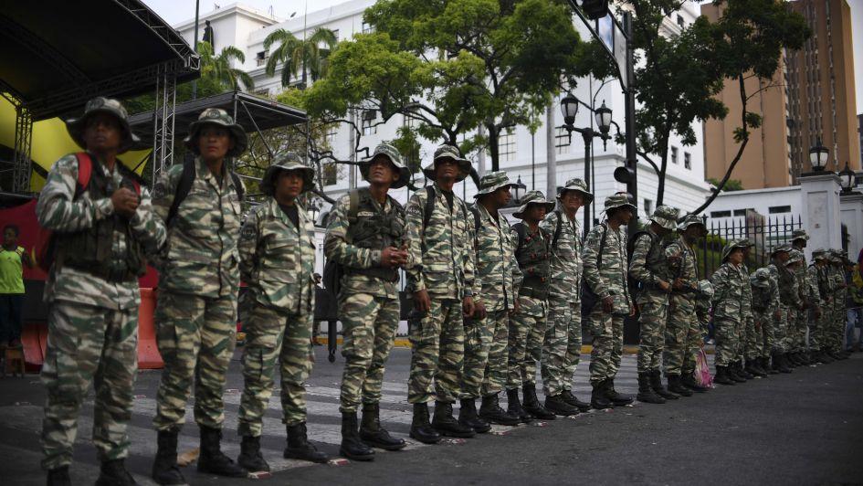 Guaidó intentó redoblar presión contra Maduro tras fallido alzamiento militar