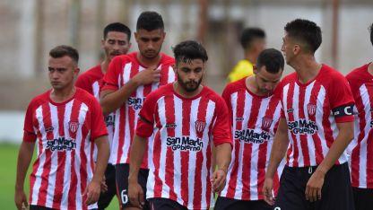 El ganador de esta llave enfrentará al vencedor de la otra semifinal entre Peñarol de San Juan y Victoria de San Luis.