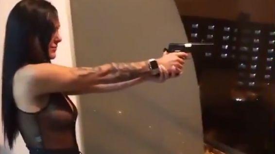 Salta: quedó detenida la joven que realizó disparos desde un balcón - Actualidad