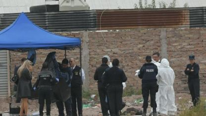 El cuerpo fue hallado en un baldío.