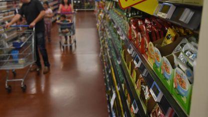 Más Caros. Una familia debe gastar $ 9.762 en alimentos por mes.
