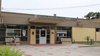 Godoy abandonó el hospital Enfermeros Argentinos en compañía de agentes policiales