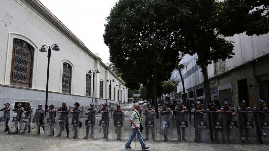 Maduro aumenta la presión sobre opositores