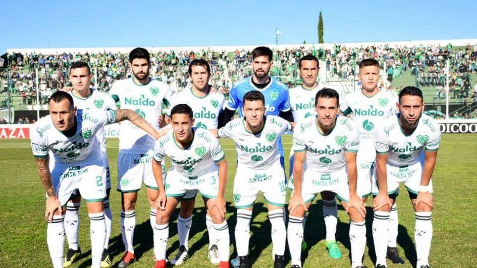 Sarmiento viene a Mendoza con dos variantes