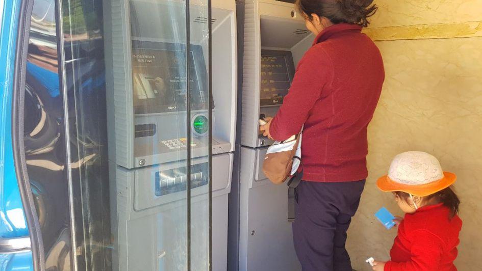 Los vecinos de Ugarteche ya tienen el primer cajero automático