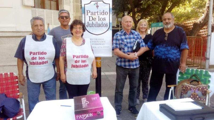Los infortunios del Partido de los Jubilados: tuvo que cambiar el candidato a gobernador