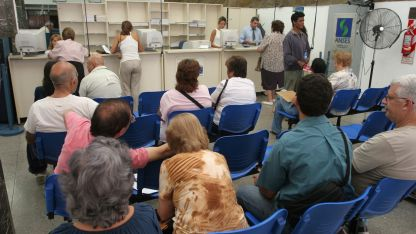 En algunos casos la reglamentación exige visitar una delegación de Anses para poder pedir el préstamo.
